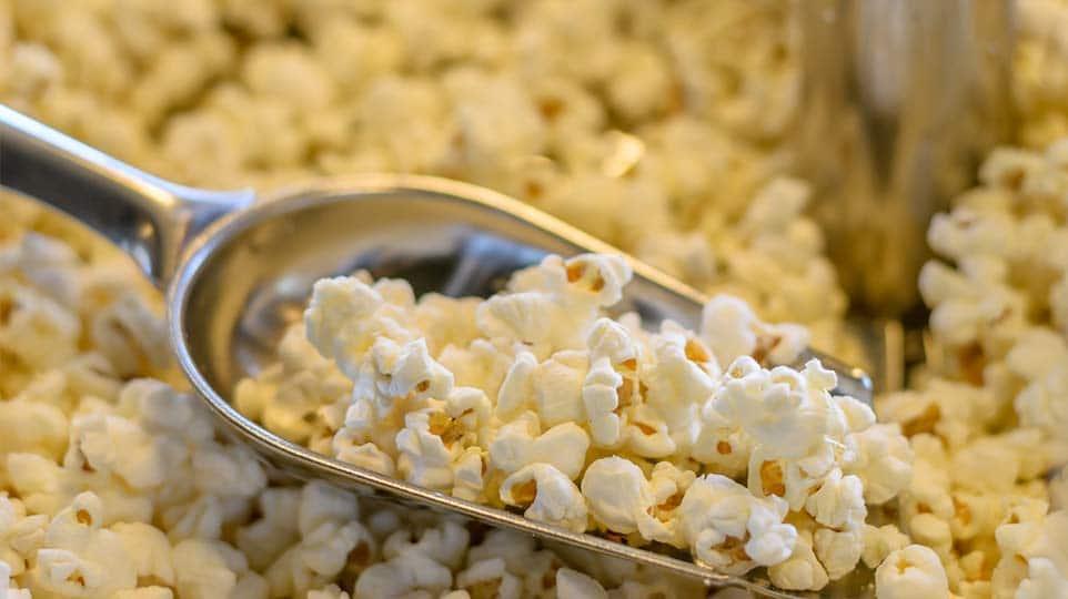 SŁODYCZE I INNE… popcorn i orzeszki wata cukrowa cukierki i żelki jajka i masy jajeczne mączki inne